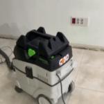 Lijando con lijadora con extraccion de polvo 2