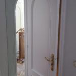 Lacado de puertas blanco y plastico liso gris con veloglas (24)