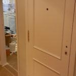 Lacado de puertas blanco y plastico liso gris con veloglas (4)